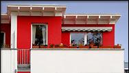 musterhaus im schweizer viertel in berlin reihenhaus kaufen od mieten. Black Bedroom Furniture Sets. Home Design Ideas